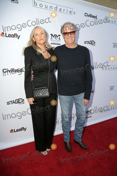 Photo - LOS ANGELES - JUN 19  Parky Fonda Peter Fonda at the Boundaries Los Angeles Premiere at the Egyptian Theater on June 19 2018 in Los Angeles CA