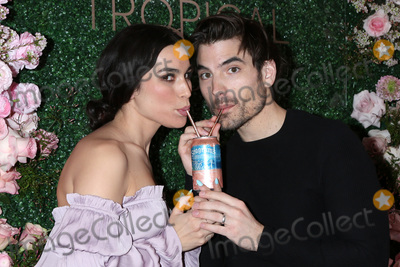 Photo - Seagrams Escapes Tropical Rose Launch Party