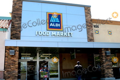 San Bernardino Photo - LOS ANGELES - APR 11  Aldi Store and Signage at the Businesses reacting to COVID-19 at the Hospitality Lane on April 11 2020 in San Bernardino CA