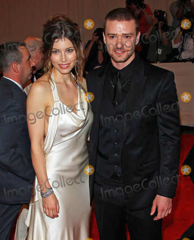 Photo - Photo by Jackson Leestarmaxinccom20105310Jessica Biel and Justin Timberlake at the Metropolitan Museum of Art Costume Institute Gala(NYC)