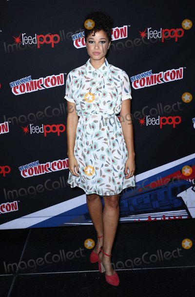 Alisha Wainwright Photo - Photo by John NacionstarmaxinccomSTAR MAXCopyright 2017ALL RIGHTS RESERVEDTelephoneFax (212) 995-119610717Alisha Wainwright at the photocall for Shadowhunters during New York Comic Con(NYC)