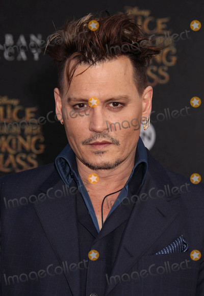 Photo - Photo by REWestcomstarmaxinccomSTAR MAX2016ALL RIGHTS RESERVEDTelephoneFax (212) 995-119652316Johnny Depp at the premiere of Alice Through The Looking Glass(Los Angeles CA)