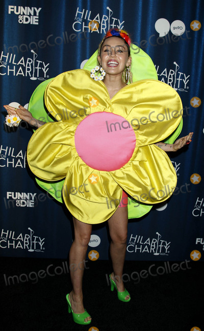 Photo - Photo by REWestcomstarmaxinccomSTAR MAX2015ALL RIGHTS RESERVEDTelephoneFax (212) 995-1196101715Miley Cyrus at Hilarity For Charitys 4th Annual Variety Show(Los Angeles CA)