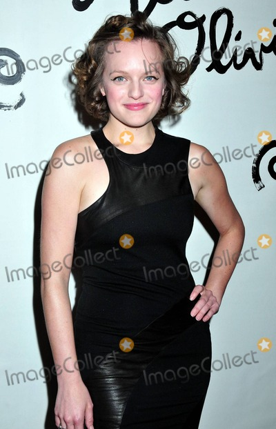 Alice  Olivia Photo - Elizabeth Moss at the Alice and Olivia fashion show during Mercedes Benz Fashion Week in New York NY 91410