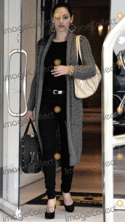 Photos And Pictures Actress And Playboy Model Kelly Brook Arrives