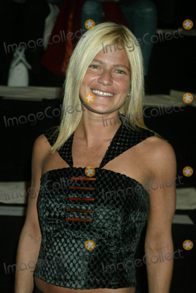 Alice Roi Photo - Lizzie Grubman at Alice Roi Showing of Fall Collection at the Pavilion in Bryant Park in New York City on February 9 2003 Photo by Henry McgeeGlobe Photos Inc2003 K22870hmc 0209