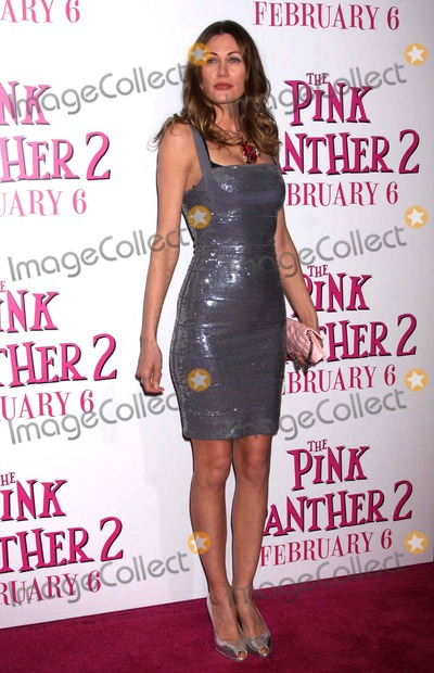 PINK PANTHER Photo - Marianne Aulie (Norwegian Artist) Arriving at the Premiere of the Pink Panther 2 at the Ziegfeld Theater in New York City on 02-03-2009 Photo by Henry McgeeGlobe Photos Inc 2009
