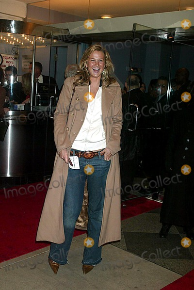 Amy Lemmons Photo - Amy Lemmons Premiere of the Hours at the Paris Theatre in New York City on December 15 2002 Photo by Henry McgeeGlobe Photos Inc 2002 K28066hmc 1215