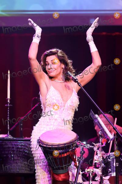 Photos From Luann de Lesseps in concert