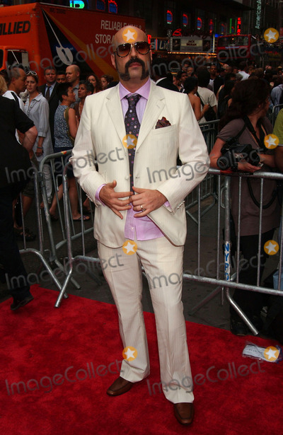 ANDRES LEVIN Photo - Composer Andres Levin arriving at the New Yotk Premiere of El Cantante at the AMC 25 Theatre in Times Square
