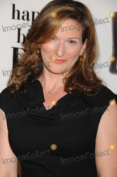 Ana Gasteyer Photo - Actress Ana Gasteyer at Betty Whites 89th birthday party at Le Cirque on January 18 2011 in New York City