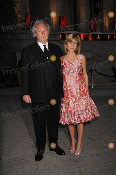 Anna Carter Photo - Editor-In-Chief of Vanity Fair Graydon Carter and Anna Carter attend the 7th Annual Tribeca Film Festival Vanity Fair Party at the State Supreme Courthouse