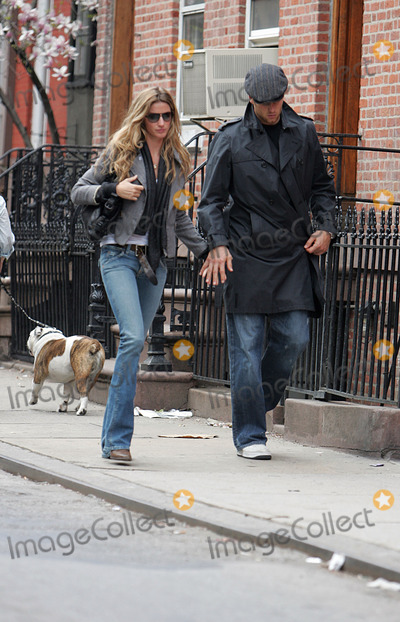 Photos From EXCLUSIVE - GISELE AND TOM SIGHTING