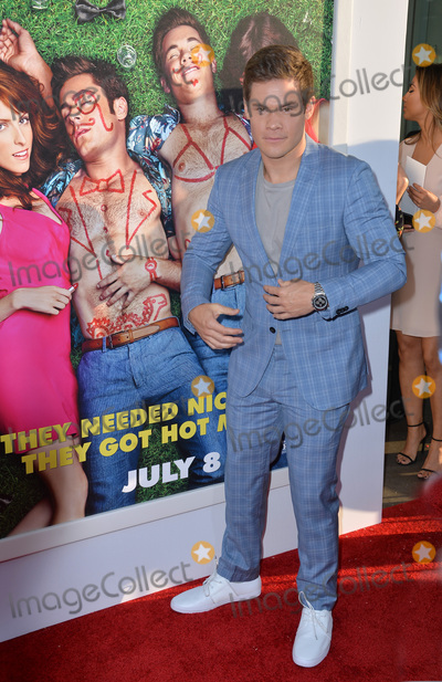Photo - Mike and Dave Need Wedding Dates Premiere