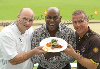 Alec Stewart Photo - London UK  Ainsley Harriott (chef) Alec Stewart (former England cricket captain and now BBC cricket commentator) and Chris Garrett (Oval cricket ground head chef) take part in a cook-off to promote food available during the upcoming and final Ashes test match of this series held at the Oval Surrey County Cricket Club in Kennington12 August 09Ali KadinskyLandmark Media