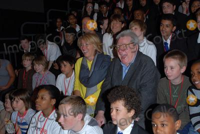 Alan Parker Photo - London UK  Director Sir Alan Parker actress Emma Thompson at Film Club photocall at Morpeth School Portman Place 12th June 2008Chris JosephLandmark Media