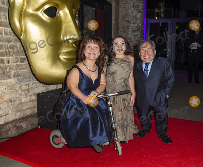 Annabelle Davis Photo - London UK   Annabelle Davis Samantha Davis and Warwick Davis at The British Academy Childrens Awards 2018 at The Roundhouse on November 25 2018 in London EnglandRef LMK386-J3020-261118Gary MitchellLandmark MediaWWWLMKMEDIACOM