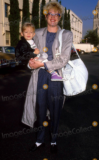 Alexander Bauer Photo - Melanie Griffith Wtih Her Son Alexander Bauer 9-1986 14188 Photo by Phil Roach-ipol-Globe Photos Inc