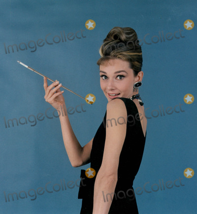 Photo - Audrey Hepburn Globe Photos Inc Audreyhepburnretro