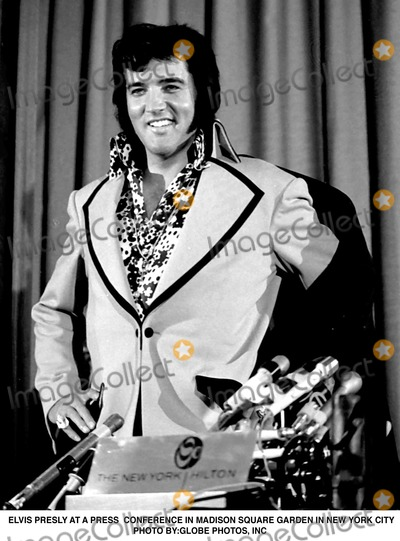 Photo - Elvis Presly at a Press Conference in Madison Square Garden in New York City Photo ByGlobe Photos Inc
