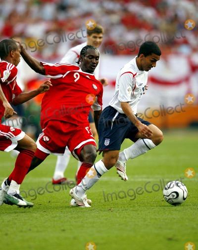 Aaron Lennon Photo - Aurtis Whitley  Aaron Lennon Challenge England V Trinidad  Tobago Photo Allstar  Globe Photos Inc