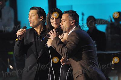 Eros Ramazzotti Monica Bellucci Photo Stasera Pago Io Revolution Tv Show