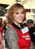 Andrea Bowen Photo - 27 November 2013 - Los Angeles California - Andrea Bowen LA Mission Thanksgiving For The Homeless Held at Raleigh Studios Photo Credit Kevan BrooksAdMedia
