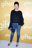 Tiffani-Amber Thiessen Photo - Tiffani-Amber Thiessenat the Gifted Premiere Pacific Theaters at the Grove Los Angeles CA 04-04-17