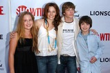 Allie Grant Photo - Allie Grant and Joy Lauren with Hunter Parrish and Alexander Gouldat the season two premiere of Weeds Egyptian Theatre Hollywood CA 07-19-06