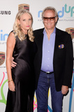 Goldie Photo - LOS ANGELES - OCT 3  Parky Fonda Peter Fonda at the Goldies Love In For Kids at the Green Acres Estate on October 3 2017 in Beverly Hills CA