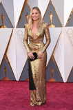 Margot Robbie Photo - Photo by KGC-11starmaxinccomSTAR MAXCopyright 2016ALL RIGHTS RESERVEDTelephoneFax (212) 995-119622816Margot Robbie at the 88th Annual Academy Awards (Oscars)(Hollywood CA USA)