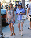 Nicky Hilton Photo - Photo by SMXRFstarmaxinccomSTAR MAX2017ALL RIGHTS RESERVEDTelephoneFax (212) 995-1196112217Nicky Hilton and Kathy Hilton are seen in Beverly Hills CA