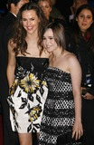 Ellen Page Photo - Photo by NPXstarmaxinccom200712307Jennifer Garner and Ellen Page at the premiere of Juno(Westwood CA)Not for syndication in France