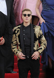 Justin Beiber Photo - Photo by GWRstarmaxinccomSTAR MAX2015ALL RIGHTS RESERVEDTelephoneFax (212) 995-11965415Justin Beiber at the 2015 Costume Institute Benefit Gala - China Through The Looking Glass(Metropolitan Museum of Art NYC)