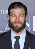 Austin Stowell Photo - Photo by REWestcomstarmaxinccomSTAR MAX2016ALL RIGHTS RESERVEDTelephoneFax (212) 995-119612616Austin Stowell at the premiere of La La Land in Westwood CA