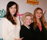 DOROTHEA JOHNSON Photo - LIV TYLER WITH HER GRANDMOTHER DOROTHEA JOHNSON AND AND MOTHER BEBE BUELL AT THE LAUNCH OF EMERGEN-C PINK HEALTH AND ENERGY DRINK TO SUPPORT BREAST CANCER AWARENESS WITH THE KEEP A BREAST FOUNDATION AT WHOLE FOODS MARKET BOWERY IN NEW YORK CITY ON 10-08-2007 PHOTO BY HENRY McGEEGLOBE PHOTOS INC 2007 K54975HMC