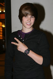 Justin Bieber Photo - Singer Justin Bieber made an appearance at Its on with Alexa Chung at the MTV studios on September 2 2009 in New York City