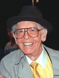 Milton Berle Photo - 01MAR99 Actorcomedian MILTON BERLE at the world premiere of Analyze This in Los Angeles The movie stars Robert De Niro BillyCrystal  Lisa Kudrow     Paul Smith  Featureflash