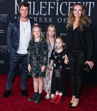 Hollies Photo - HOLLYWOOD LOS ANGELES CALIFORNIA USA - SEPTEMBER 30 Actor Luke Hemsworth Ella Hemsworth Holly Hemsworth Harper Rose Hemsworth and Samantha Hemsworth arrive at the World Premiere Of Disneys Maleficent Mistress Of Evil held at the El Capitan Theatre on September 30 2019 in Hollywood Los Angeles California United States (Photo by Xavier CollinImage Press Agency)
