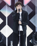 Louis Tomlinson Photo - INGLEWOOD LOS ANGELES CALIFORNIA USA - DECEMBER 06 Singer Louis Tomlinson performs at 1027 KIIS FMs Jingle Ball 2019 held at The Forum on December 6 2019 in Inglewood Los Angeles California United States (Photo by Xavier CollinImage Press Agency)