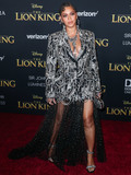 Beyonce Photo - HOLLYWOOD LOS ANGELES CALIFORNIA USA - JULY 09 Singer Beyonce Knowles Carter wearing an outfit by Alexander McQueen and Lorraine Schwartz jewelry arrives at the World Premiere Of Disneys The Lion King held at the Dolby Theatre on July 9 2019 in Hollywood Los Angeles California United States (Photo by Xavier CollinImage Press Agency)