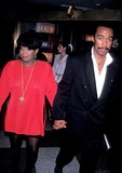 Anita Baker Photo - Sd0720 Whitney Houston in Concert Radio City Music Hall New York City Anita Baker and Husband Photo Stephen Trupp  Globe Photos Inc