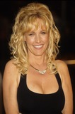 Erin Brockovich-Ellis Photo - Erin Brockovich Ellis Erin Brockovich Premiere at Mann Village in Los Angeles 2000 K18229rharv Photo by Roger Harvey-Globe Photos Inc