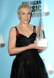 ANNIE LENOX Photo - The 2008 American Music Awards Press Room Held at Nokia Theatre Los Angeles California112308 Annie Lenox