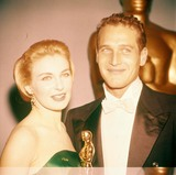 Paul Newman Photo - Joanne Woodward with Paul Newman at 1958 Oscars 12433a Supplied by Globe Photos Inc
