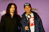 Audioslave Photo - Brad Wilk Tom Morello (Audiosave) Billboard Music Awards - Press Room Grand Arena Mgm Grand Hotelcasino Las Vegas USA 12102003 Photo Byalec MichaelGlobe Photos Inc 2003