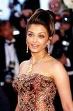 Aishwarya Ray Photo - Aishwarya Rai K31629rharv Photo Byroger HarveyGlobe Photos Inc