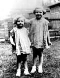 Kim Novak Photo - Kim Novak(left) and Her Sister SmpGlobe Photos Inc Kimnovakretro