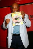 George Foreman Photo - George Foreman Book Signing of  George Foreman  Let George Do It  at the Borders Books and Music Time Warner Center New York City 05-04-2005 Photo by Mitchell Levy-rangefinder-Globe Photosinc George Foreman