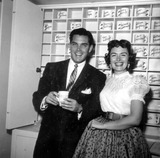 Donna Reed Photo - Jeffrey Hunter Donna Reed Backstage at Lux Radio Theater Photo Nate CutlerGlobe Photos Inc